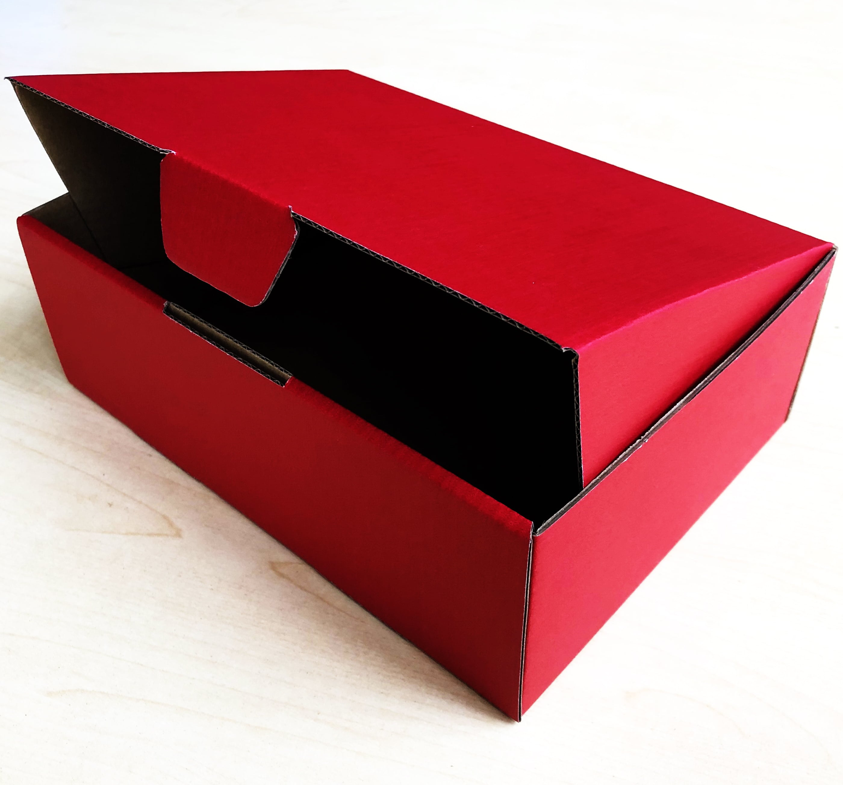 Red 100pcs 220 x 160 x 77mm Diecut Mailing Box